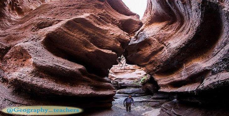 دانلود پاورپوینت درهای شگفتانگیز به نام دره راگه رفسنجان
